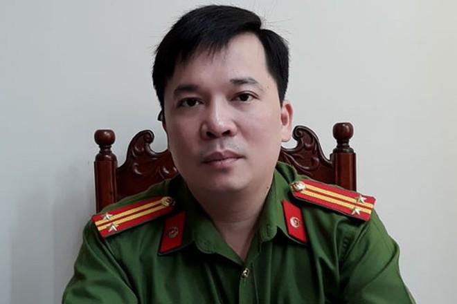 (Trung tá Đinh Tuấn Thành – Trưởng Công an quận Thanh Xuân, Hà Nội)