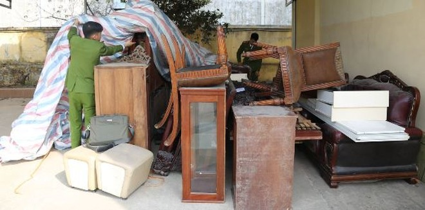 Số tài sản trong căn biệt thự mà Thịnh đột nhập, rao bán trên mạng