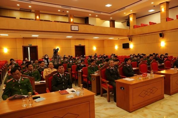 Các đại biểu tại điểm cầu ở Bộ Công an và tại Công an TP. Hà Nội