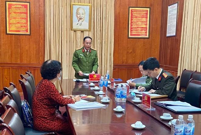 Đại tá Nguyễn Thanh Tùng - Phó Giám đốc, Thủ trưởng Cơ quan CSĐT CATP Hà Nội trao đổi, giải đáp khiếu nại của công dân
