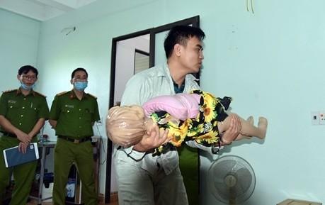 Đối tượng Thao thực nghiệm diễn biến hành hung khiến cháu Nguyễn tử vong