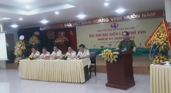 Đại tá Nguyễn Thanh Tùng - Phó Giám đốc Công an thành phố phát biểu chỉ đạo tại Đại hội