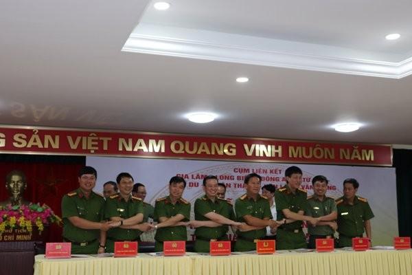 Chỉ huy 8 đơn vị thể hiện quyết tâm thực hiện tốt Quy chế phối hợp