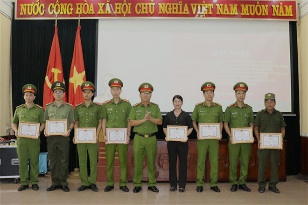 Huyện Gia Lâm (Hà Nội): Chuyển biến tích cực về an ninh, trật tự tại các địa bàn trọng điểm ảnh 2