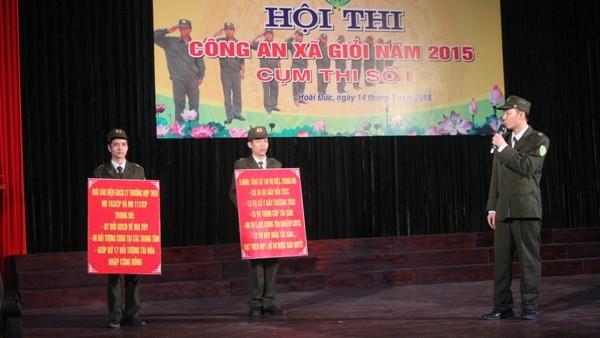 Phần thuyết trình sinh động của Đội thi xã Sơn Đồng