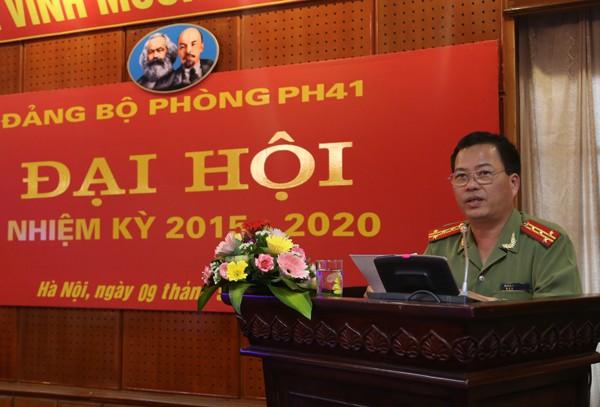 Đại tá Đoàn Hùng ,Phó Giám đốc CATP phát biểu chỉ đạo tại Đại hội