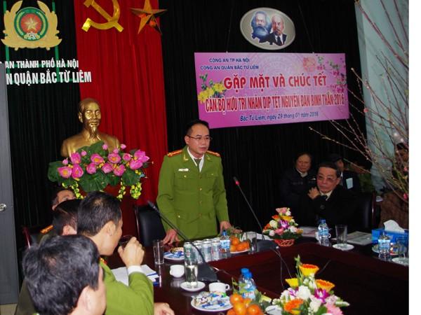 Đại tá Nguyễn Thanh Tùng, Trưởng CAQ Bắc Từ Liêm phát biểu tại buổi gặp mặt