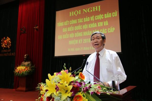 Đồng chí Đinh Thế Huynh, Ủy viên Bộ Chính trị, Thường trực Ban Bí thư phát biểu chỉ đạo tại hội nghị