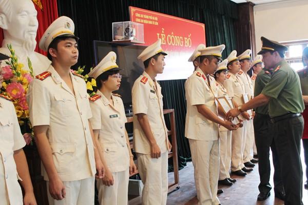 CAQ Nam Từ Liêm tổ chức lễ thăng cấp bậc hàm, nâng bậc lương cho CBCS