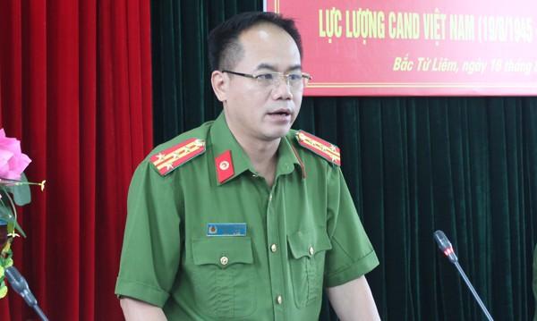Đại tá Nguyễn Thanh Tùng phát biểu tại buổi gặp mặt
