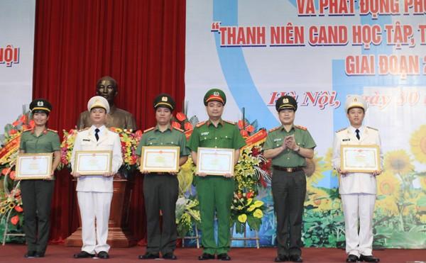 Đoàn TNCS Hồ Chí Minh CATP Hà Nội: Đón nhận Huân chương Bảo vệ Tổ quốc hạng Nhì