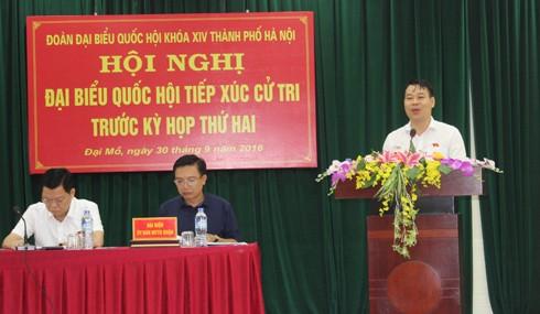 Đại biểu Đỗ Đức Hồng Hà thông tin với cử tri chương trình kỳ họp thứ 2, Quốc hội khóa XIV