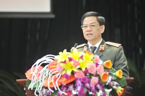 Thiếu tướng Đoàn Duy Khương, Giám đốc CATP Hà Nội phát biểu khai mạc hội thảo