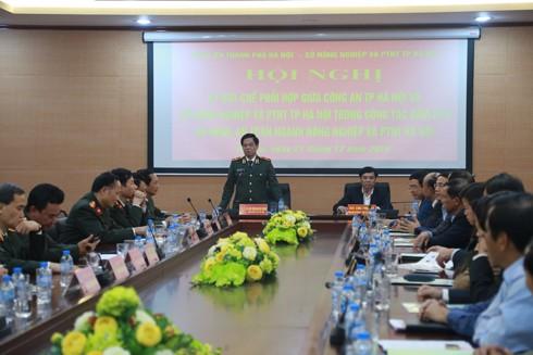 Thiếu tướng Đoàn Duy Khương, Giám đốc CATP Hà Nội phát biểu chỉ đạo tại hội nghị