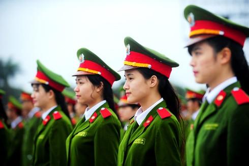 Lực lượng công an luôn nhận được sự quan tâm của đông đảo người dân