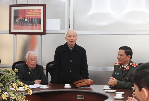 Ông Dương Ngọc Sơn, Phó Chủ nhiệm Thường trực CLB Thăng Long cảm ơn sự quan tâm của Đảng ủy, Ban Giám đốc CATP đối với CLB Thăng Long