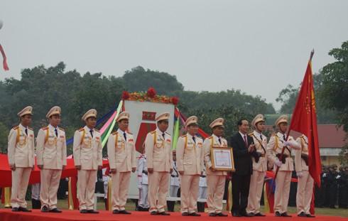 Chủ tịch nước Trần Đại Quang trao Huân chương Chiến công hạng Nhất cho tập thể CBCS Tiểu đoàn Cảnh sát đặc nhiệm số 1 Bộ tư lệnh CSCĐ