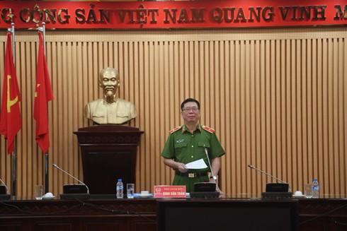Thiếu tướng Đinh Văn Toản, Phó Giám đốc CATP phát biểu chỉ đạo tại hội nghị