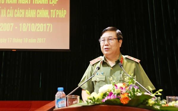 Trung tướng Nguyễn Ngọc Anh, Cục trưởng Cục Pháp chế và cải cách hành chính, tư pháp phát biểu chúc mừng Phòng Pháp chế và cải cách hành chính, tư pháp CATP nhân kỷ niệm 10 năm Ngày thành lập