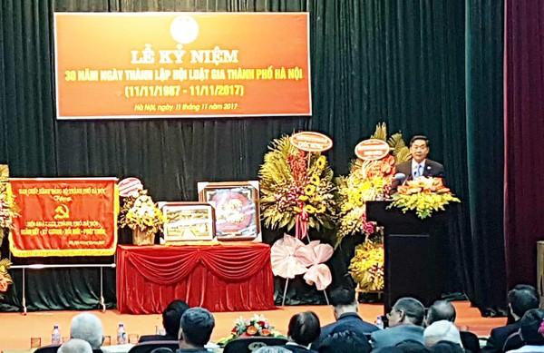 Ông Lê Hồng Sơn, Ủy viên Ban Thường vụ Thành ủy, Phó Chủ tịch UBND TP phát biểu tại lễ kỷ niệm