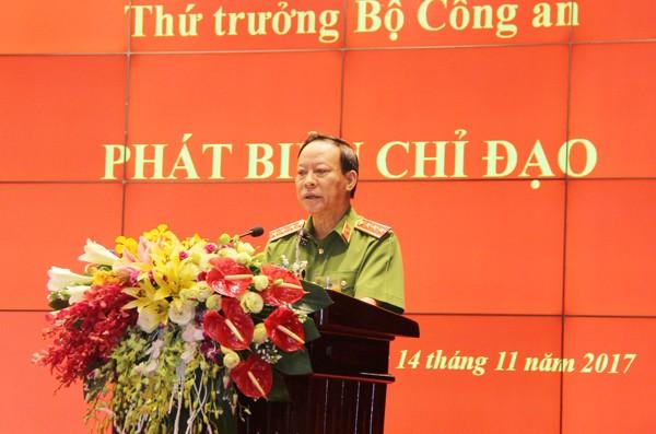 Thượng tướng Lê Quý Vương chỉ đạo tại hội nghị