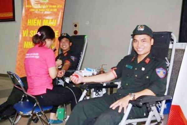 Hiến máu nhân đạo, một hoạt động do Đoàn thanh niên Cụm thi đua số 3 phát động và được đông đảo đoàn viên thanh niên trong cụm hưởng ứng