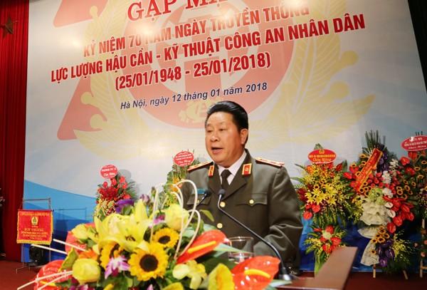 Trung tướng Bùi Văn Thành, Thứ trưởng Bộ Công an phát biểu giao nhiệm vụ cho lực lượng Hậu cần - Kỹ thuật CATP Hà Nội