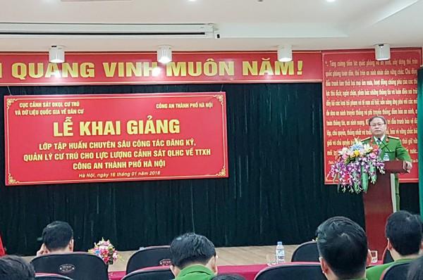 Đại tá Ngô Như Cường, Phó Cục trưởng Cục Cảnh sát đăng ký quản lý cư trú và dữ liệu quốc gia về dân cư khai mạc lớp tập huấn
