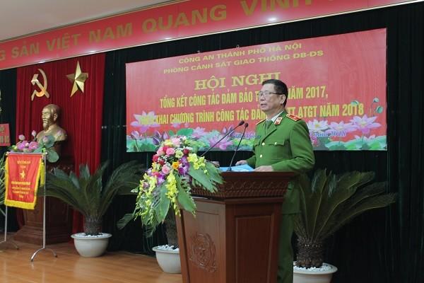 Thiếu tướng Đinh Văn Toản, Phó Giám đốc CATP Hà Nội phát biểu ý kiến tại hội nghị
