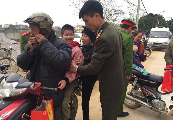Hoạt động xã hội từ thiện của các lực lượng CATP đã góp phần làm đẹp thêm hình ảnh người chiến sỹ Công an Thủ đô trong lòng nhân dân