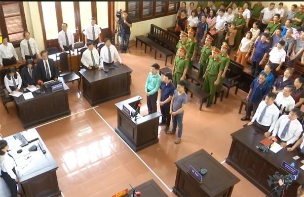 Toàn cảnh phiên tòa vào chiều 5-6