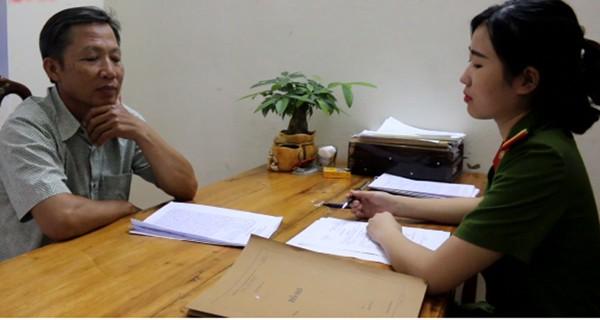 Ghi lời khai đối tượng Lê Hồng Phong tại cơ quan công an