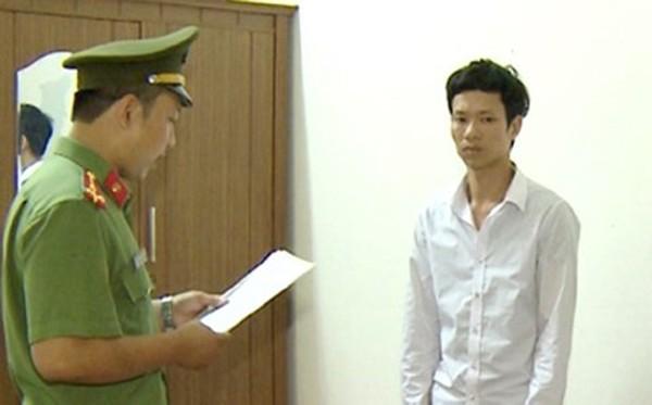 Thi hành lệnh bắt khẩn cấp đối tượng Nguyễn Văn Quang