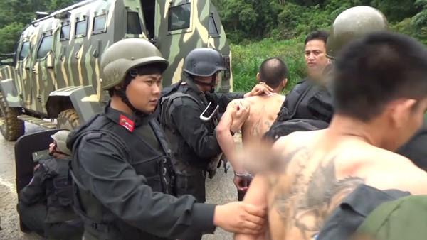 Lực lượng chức năng bắt giữ 2 đối tượng truy nã đặc biệt nguy hiểm