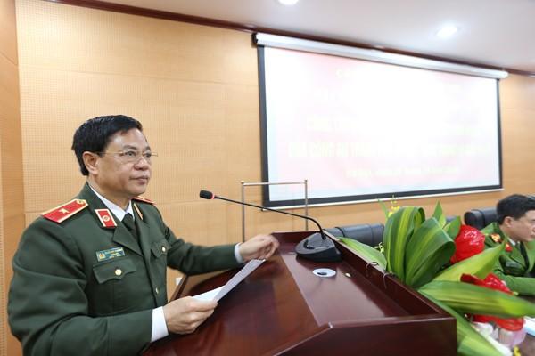 Thiếu tướng Đoàn Duy Khương chủ trì buổi tọa đàm