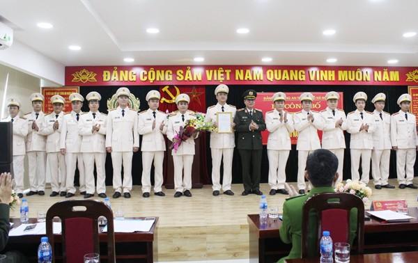 Thiếu tướng Đào Thanh Hải trao quyết định thành lập Đảng bộ Phòng Cảnh sát Phòng cháy chữa cháy và cứu nạn, cứu hộ