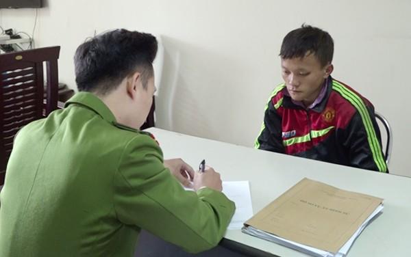 Cơ quan CSĐT Công an tỉnh Lào Cai lấy lời khai đối tượng Giàng A Tếnh