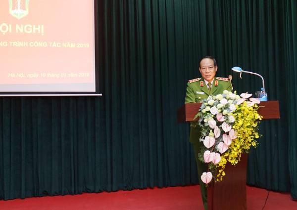 Thượng tướng Lê Quý Vương, Ủy viên Trung ương Đảng, Phó Bí thư Đảng ủy CATƯ, Thứ trưởng Bộ Công an phát biểu ý kiến chỉ đạo tại hội nghị