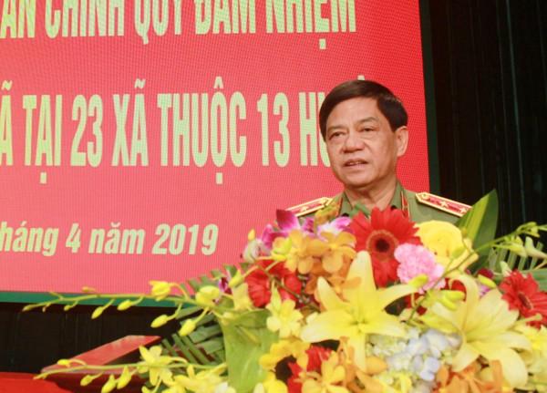 Trung tướng Đoàn Duy Khương, Ủy viên Ban Thường vụ Thành ủy, Bí thư Đảng ủy, Giám đốc CATP Hà Nội phát biểu giao nhiệm vụ cho 137 CBCS được điều động