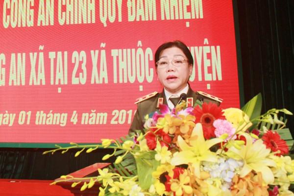 Trung tướng Trần Thị Ngọc Đẹp, Cục trưởng Cục Xây dựng phong trào bảo vệ ANTQ phát biểu tại lễ công bố quyết định