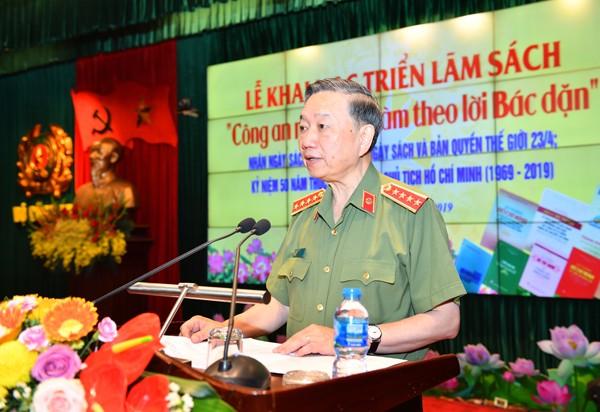 GS.TS Đại tướng Tô Lâm, Ủy viên Bộ Chính trị, Bộ trưởng Bộ Công an phát biểu khai mạc triển lãm