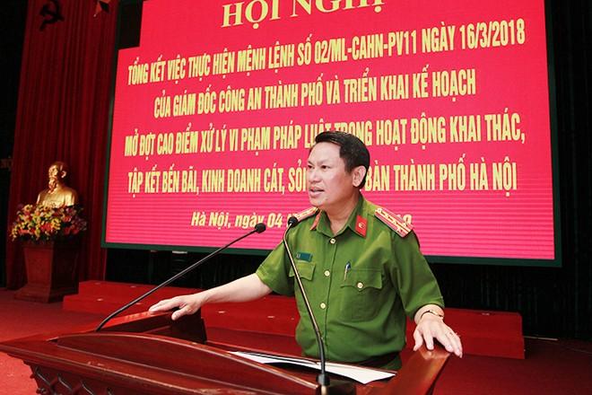 Đại tá Nguyễn Văn Viện, Phó Giám đốc CATP chủ trì, phát biểu tại hội nghị