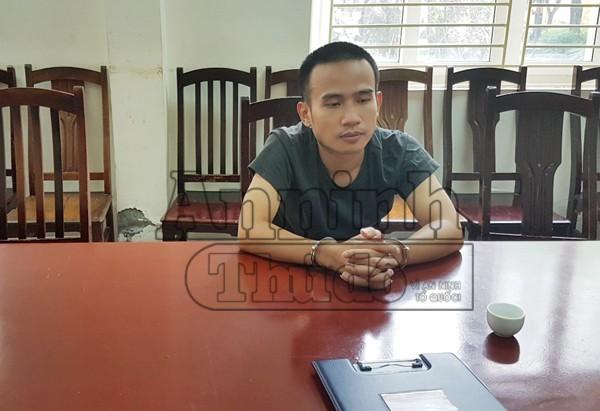 Nguyễn Thanh Tùng tại cơ quan công an