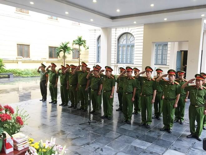 CATP Hà Nội luôn ghi nhớ công lao của các Anh hùng liệt sỹ, thương binh