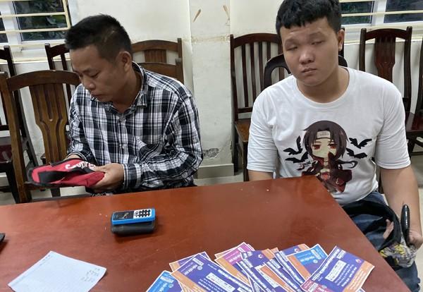 """""""Cò vé"""" chuyên nghiệp đến từ các tỉnh Nam Định, Hải Phòng"""