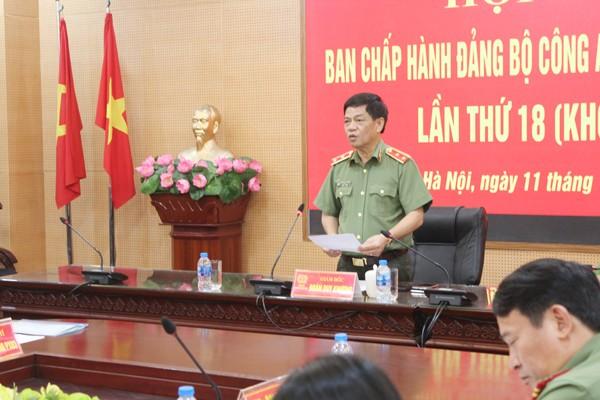 Trung tướng Đoàn Duy Khương, Ủy viên Ban thường vụ Thành ủy, Bí thư Đảng ủy, Giám đốc CATP chủ trì hội nghị