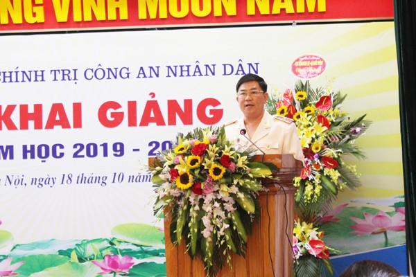 Thiếu tướng Trần Vi Dân, Giám đốc Học viện Chính trị CAND phát biểu tiếp thu ý kiến lãnh đạo Bộ Công an