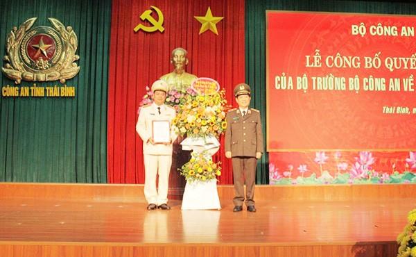 Thứ trưởng Nguyễn Văn Sơn trao quyết định điều động và bổ nhiệm chức danh Giám đốc Công an tỉnh Thái Bình đối với Thượng tá Nguyễn Thanh Trường