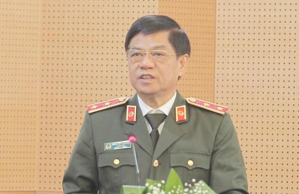 Trung tướng Đoàn Duy Khương, Ủy viên Ban Thường vụ Thành ủy, Bí thư Đảng ủy, Giám đốc Công an thành phố Hà Nội báo cáo kết quả nổi bật của lực lượng Công an Thủ đô