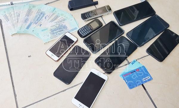 Tang vật trong một vụ cho vay lãi nặng trong giao dịch dân sự được CATP Hà Nội thu giữ